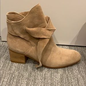 Never worn Rachel Zoe suede booties